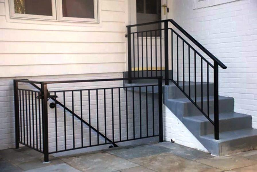 фото сварных перил лестниц