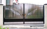 Кованые ворота из металлопрофиля